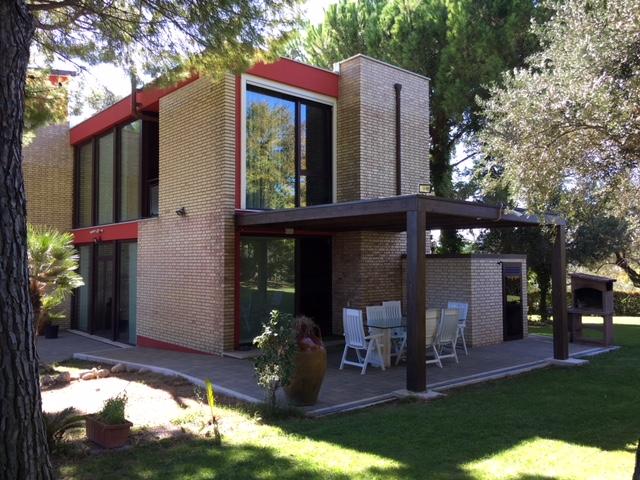 Villa in vendita a Spoltore, 9 locali, zona Località: VillaRaspa, Trattative riservate | CambioCasa.it