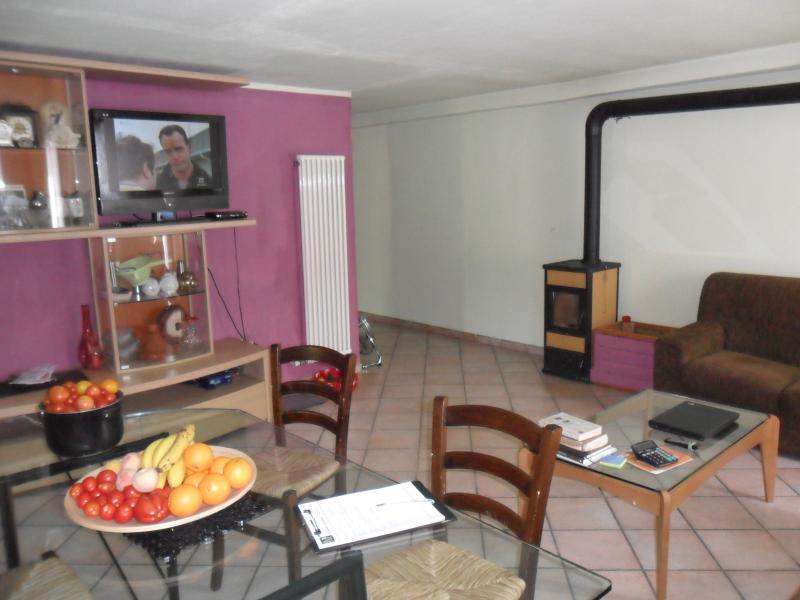 Appartamento in vendita a Cividate Camuno, 3 locali, prezzo € 98.000 | Cambio Casa.it