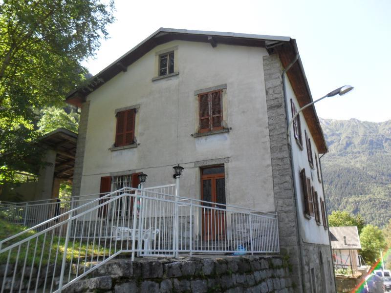 Rustico / Casale in vendita a Saviore dell'Adamello, 12 locali, Trattative riservate | Cambio Casa.it