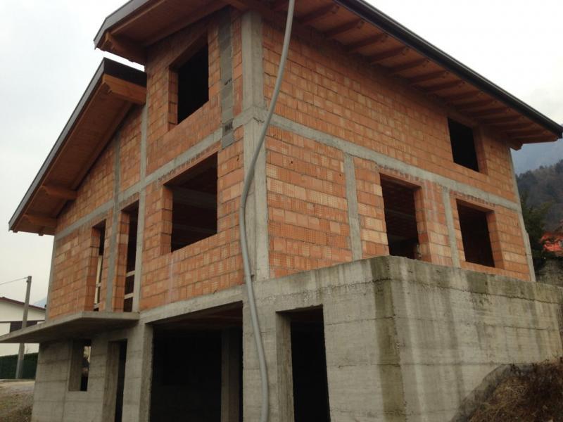 Villa in vendita a Niardo, 6 locali, Trattative riservate | CambioCasa.it