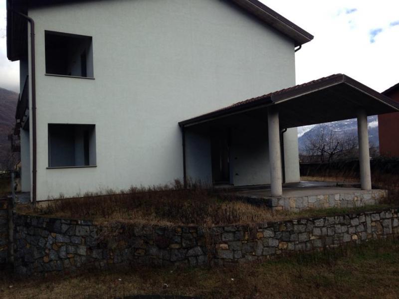 Villa in vendita a Breno, 7 locali, prezzo € 157.000 | CambioCasa.it