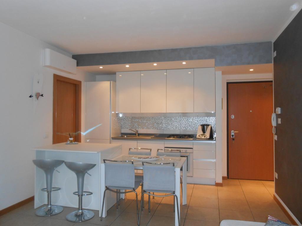 Appartamento in vendita a Esine, 5 locali, prezzo € 119.000 | CambioCasa.it