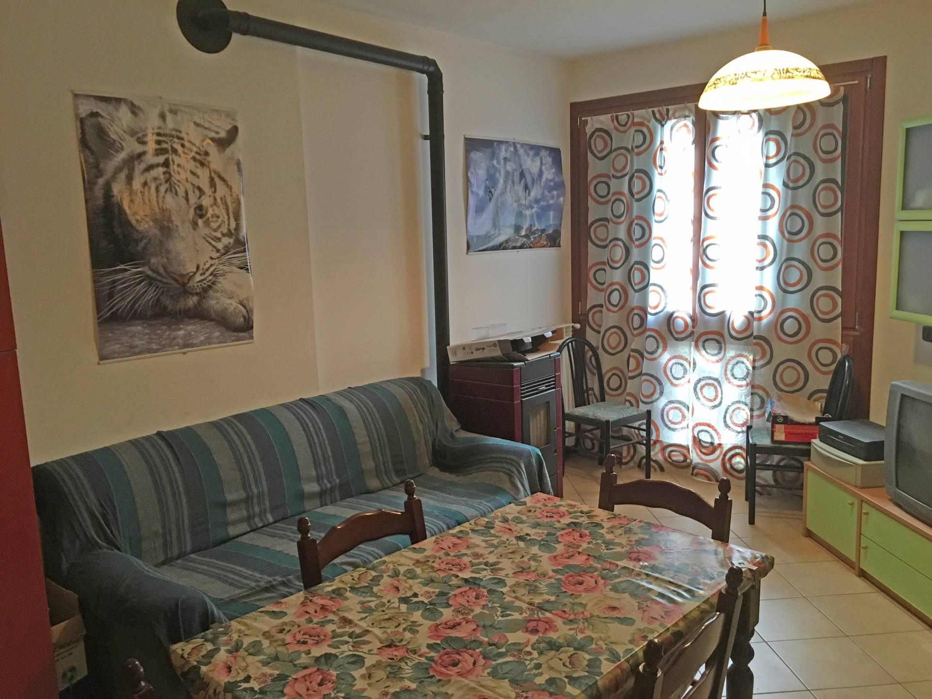 Appartamento in vendita a Breno, 4 locali, prezzo € 60.000 | Cambio Casa.it