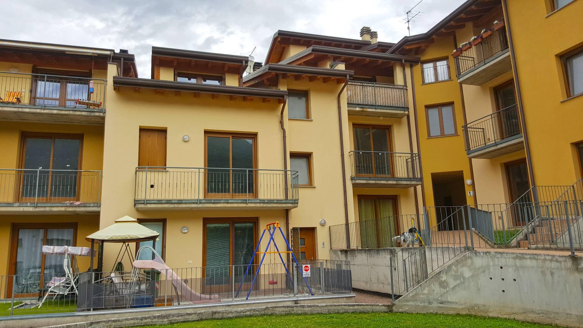 Appartamento in vendita a Bienno, 2 locali, prezzo € 70.000 | Cambio Casa.it