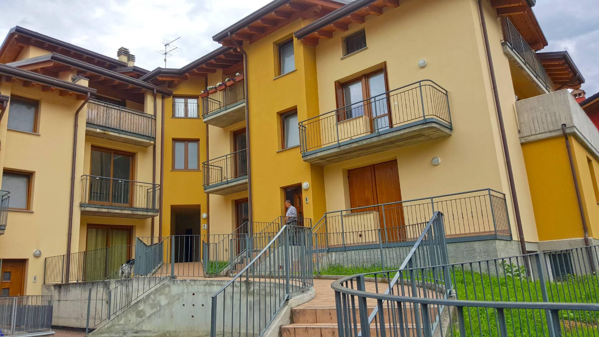 Appartamento in vendita a Bienno, 5 locali, prezzo € 125.000 | Cambio Casa.it