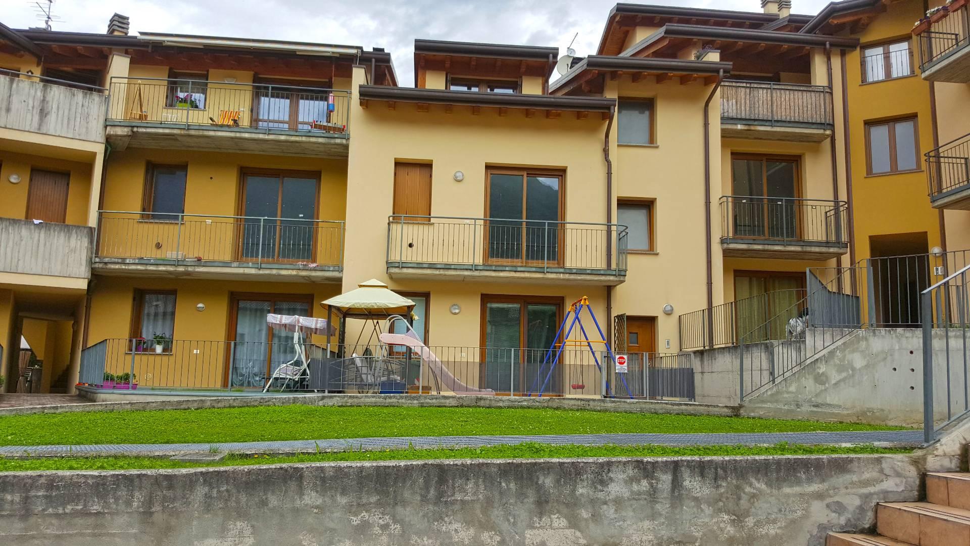 Appartamento in vendita a Bienno, 5 locali, prezzo € 135.000 | Cambio Casa.it