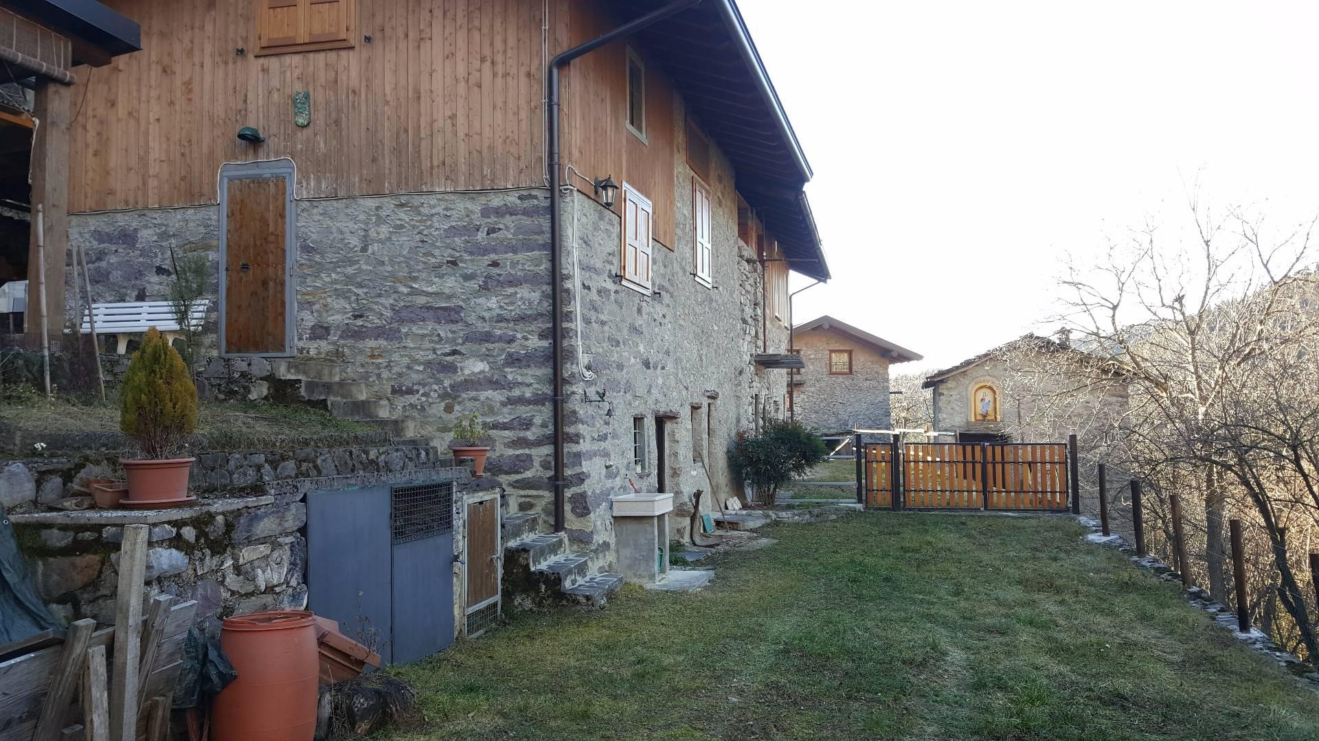 Rustico / Casale in vendita a Lozio, 6 locali, prezzo € 100.000 | CambioCasa.it