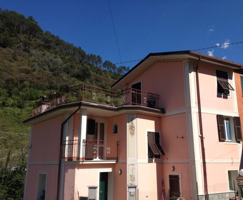 Villa in vendita a Ne, 7 locali, zona Zona: Caminata, prezzo € 260.000 | Cambio Casa.it