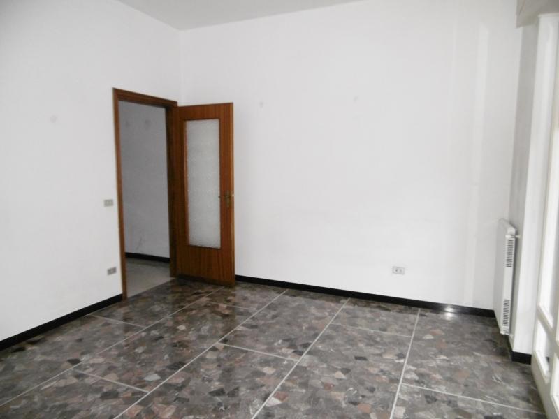 Appartamento in affitto a Chiavari, 3 locali, prezzo € 390 | Cambio Casa.it