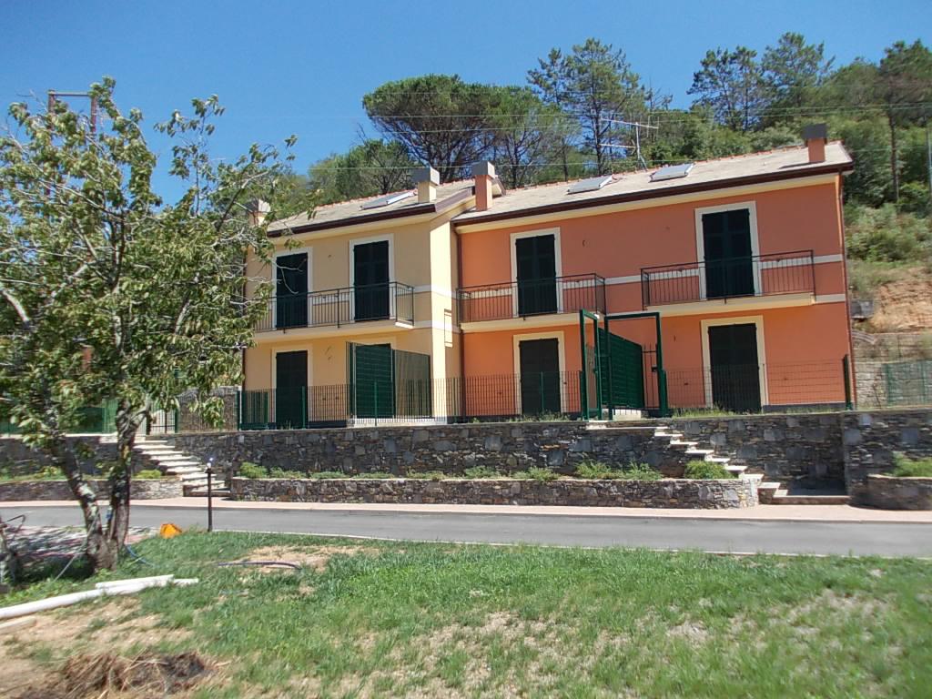 Villa a Schiera in Vendita a San Colombano Certenoli