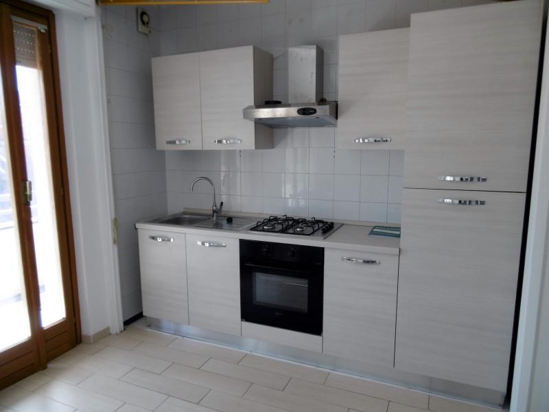 Appartamento in affitto a Lavagna, 2 locali, zona Località: portoturistico, prezzo € 350   Cambio Casa.it