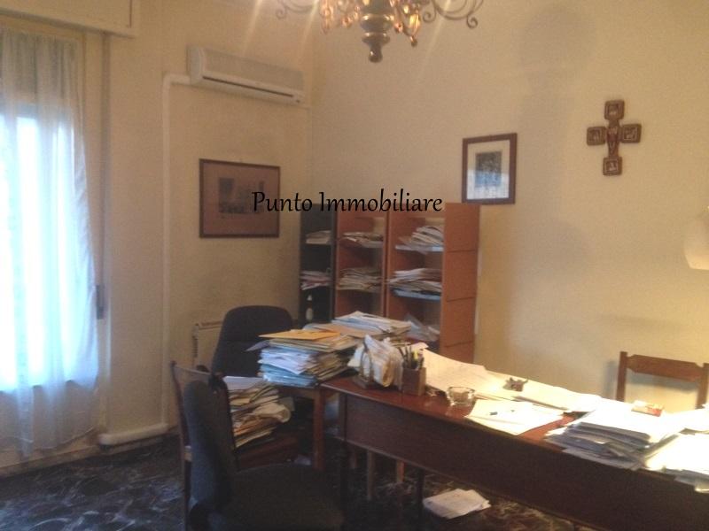 Appartamento in vendita a Chiavari, 4 locali, zona Località: centrolevante, prezzo € 260.000 | Cambio Casa.it