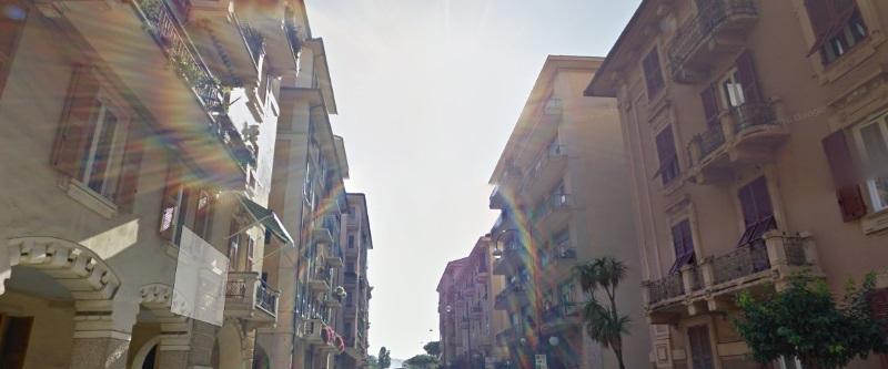 Appartamento in affitto a Chiavari, 5 locali, zona Località: centrolevante, prezzo € 650 | Cambio Casa.it