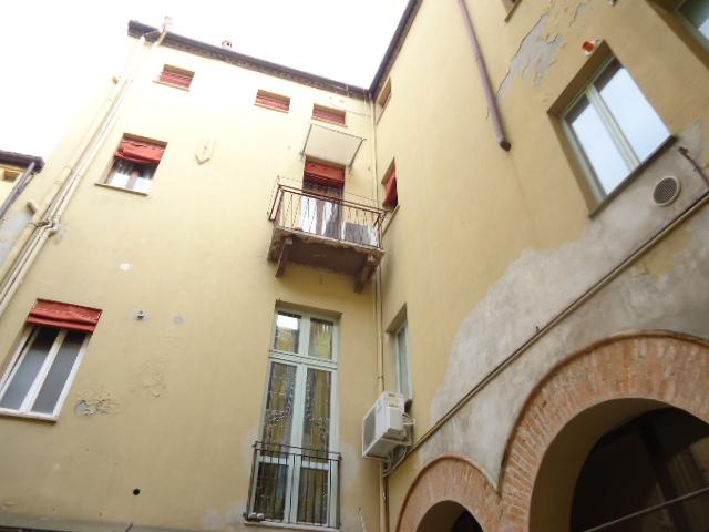 Bilocale Ferrara Cairoli 9