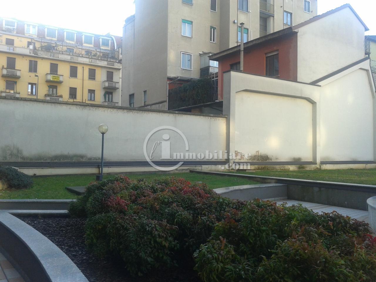 Bilocale Milano Via Giambellino 3
