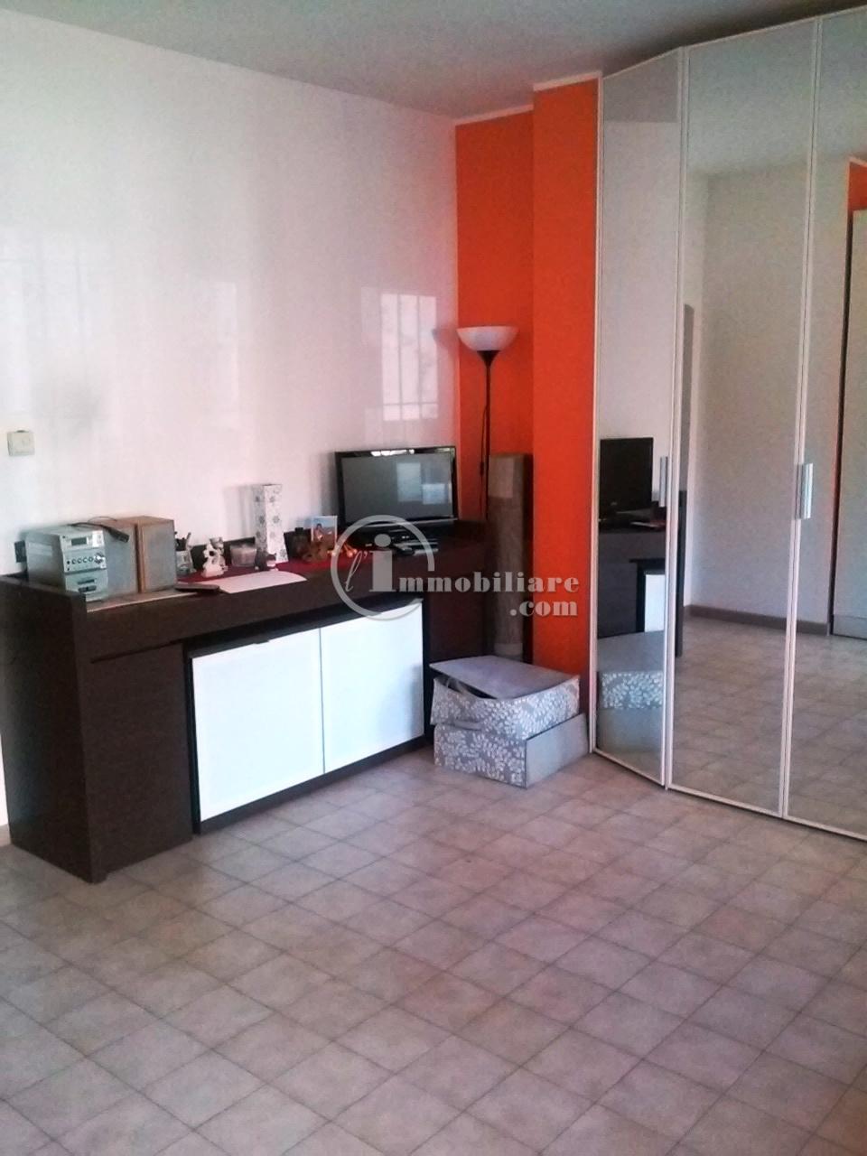 Appartamento in Vendita a Pero: 1 locali, 40 mq