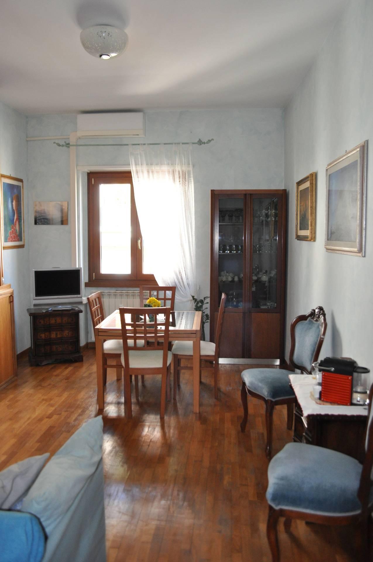 Appartamento di lusso in vendita a roma via romeo for Appartamento ufficio roma