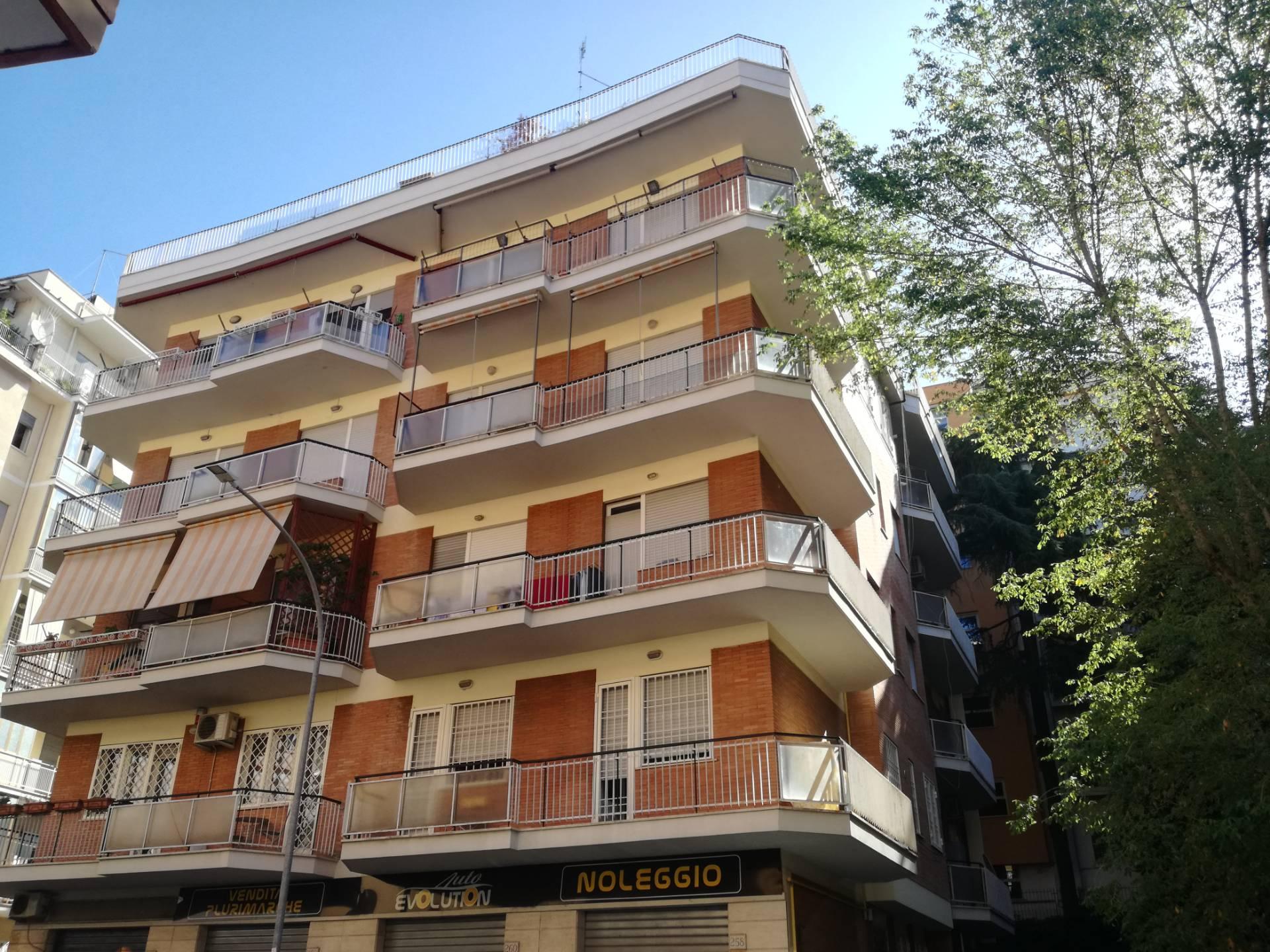 Attico in Affitto a Roma: 4 locali, 140 mq