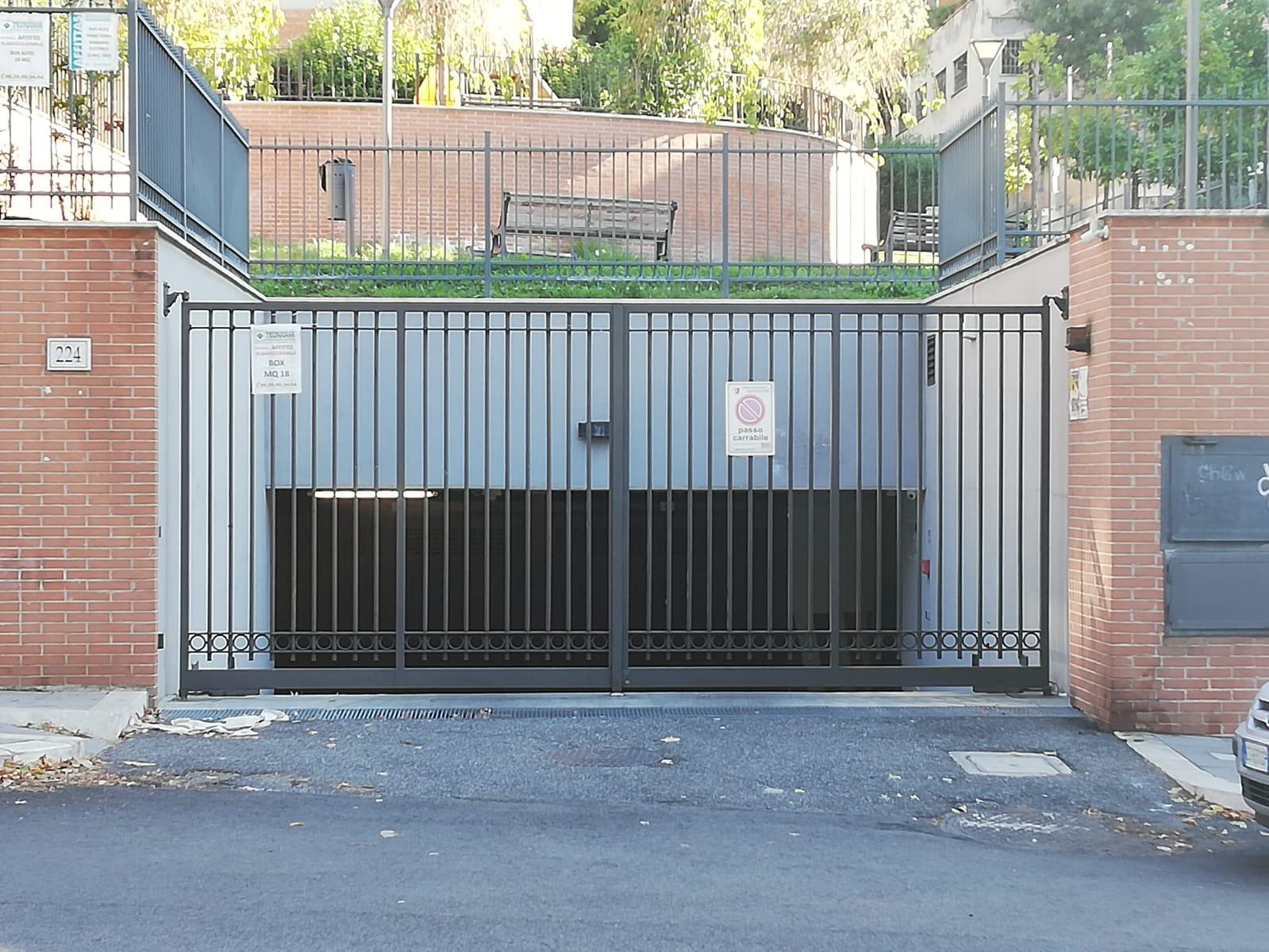 Posto-box auto in Vendita a Roma: 1 locali, 18 mq