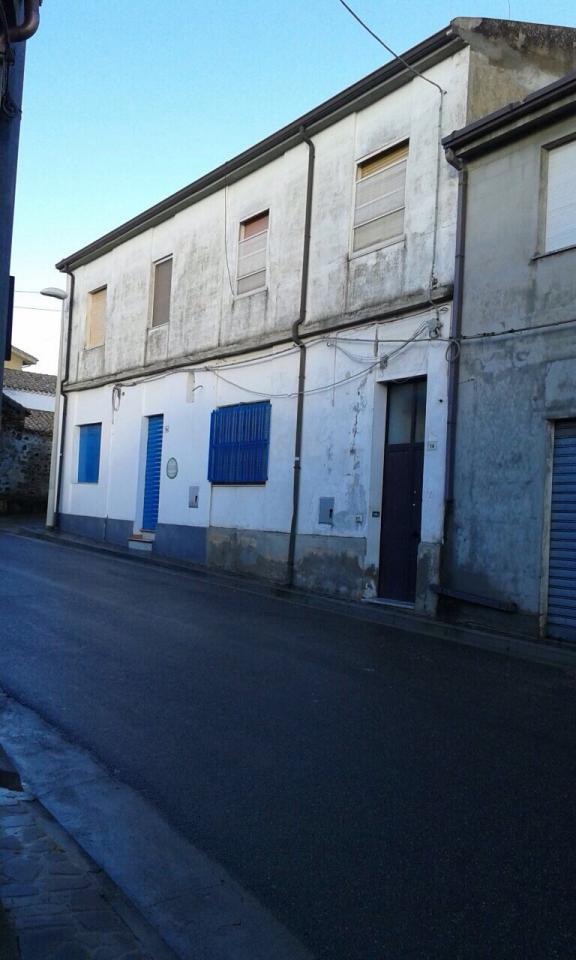 vendita appartamento gonnostramatza 5 144  75.000 €