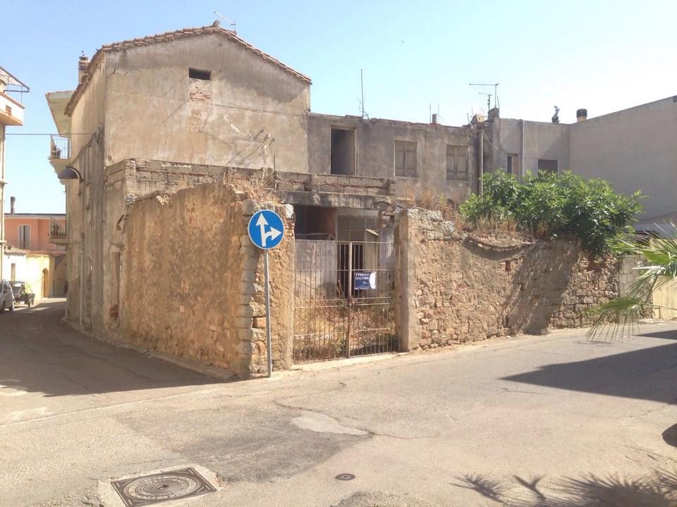 Soluzione Indipendente in vendita a Tortolì, 5 locali, Trattative riservate | Cambio Casa.it