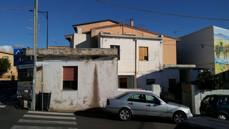 Soluzione Indipendente in vendita a Girasole, 10 locali, Trattative riservate | Cambio Casa.it