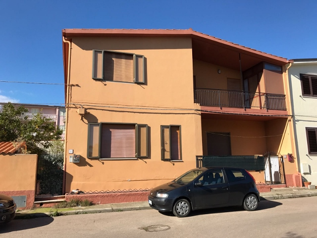Soluzione Semindipendente in vendita a Tortolì, 5 locali, prezzo € 120.000 | Cambio Casa.it