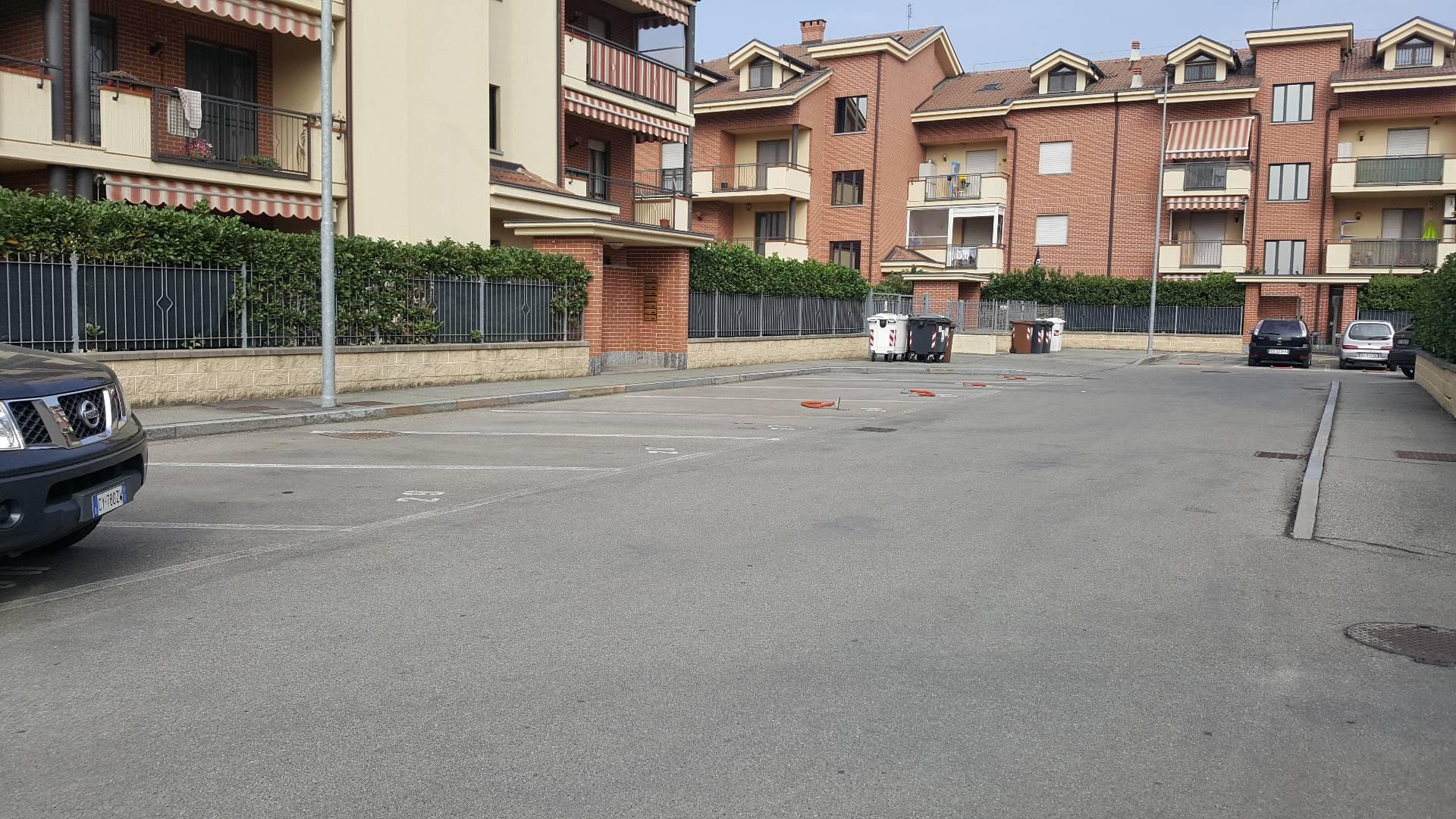 Posto-box auto in Vendita a Nichelino: 19 mq