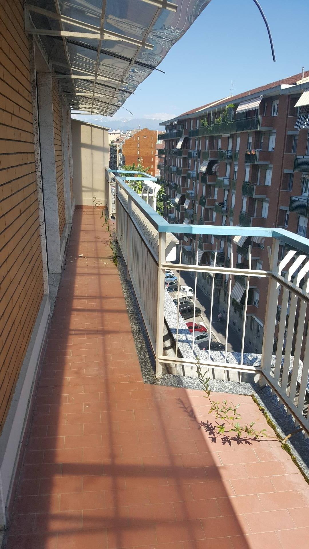 Appartamento in Affitto a Torino: 5 locali, 165 mq