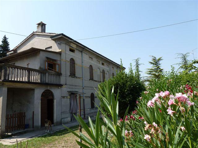 Rustico / Casale in Vendita a San Pietro in Cariano