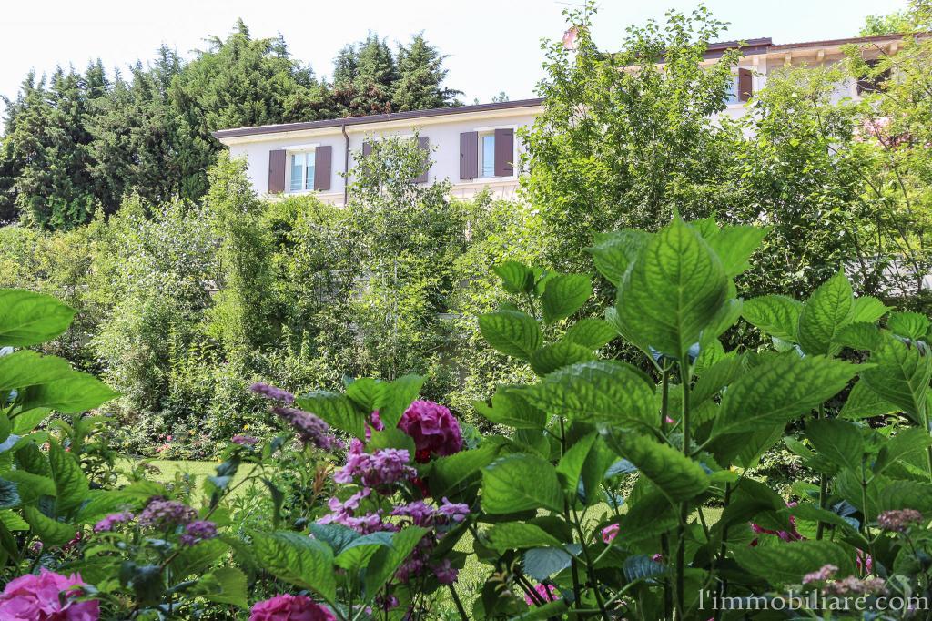 Villa in vendita a Verona, 5 locali, zona Zona: 5 . Quinzano - Pindemonte - Ponte Crencano - Valdonega - Avesa , prezzo € 1.680.000 | Cambio Casa.it
