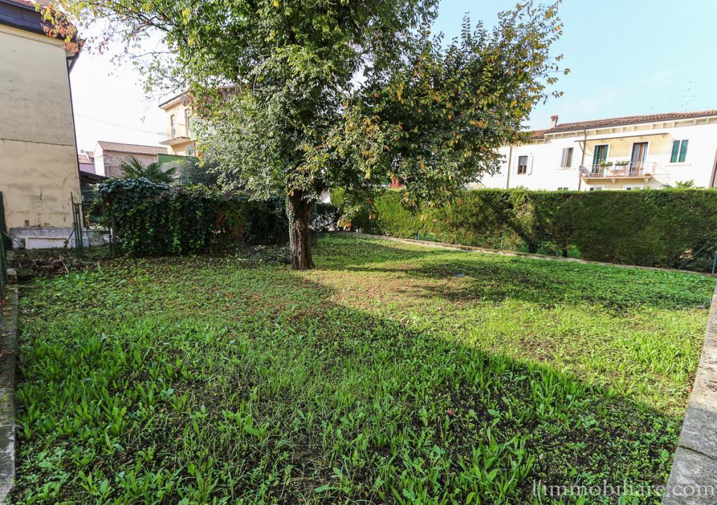Terreno Agricolo in vendita a Verona, 9999 locali, zona Zona: 5 . Quinzano - Pindemonte - Ponte Crencano - Valdonega - Avesa , prezzo € 30.000 | Cambio Casa.it