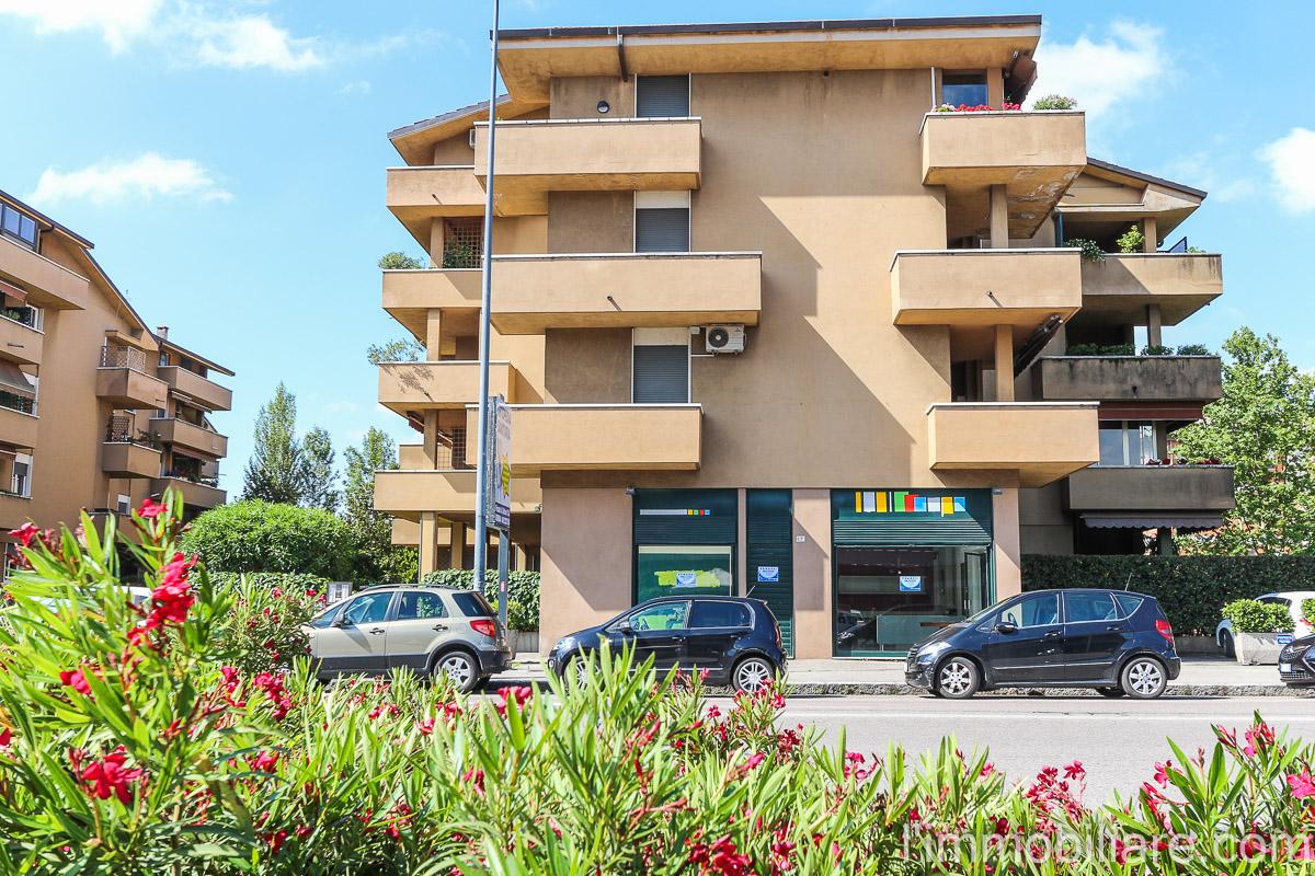 Negozio / Locale in vendita a Verona, 9999 locali, zona Località: PonteCrencano, prezzo € 398.000 | Cambio Casa.it