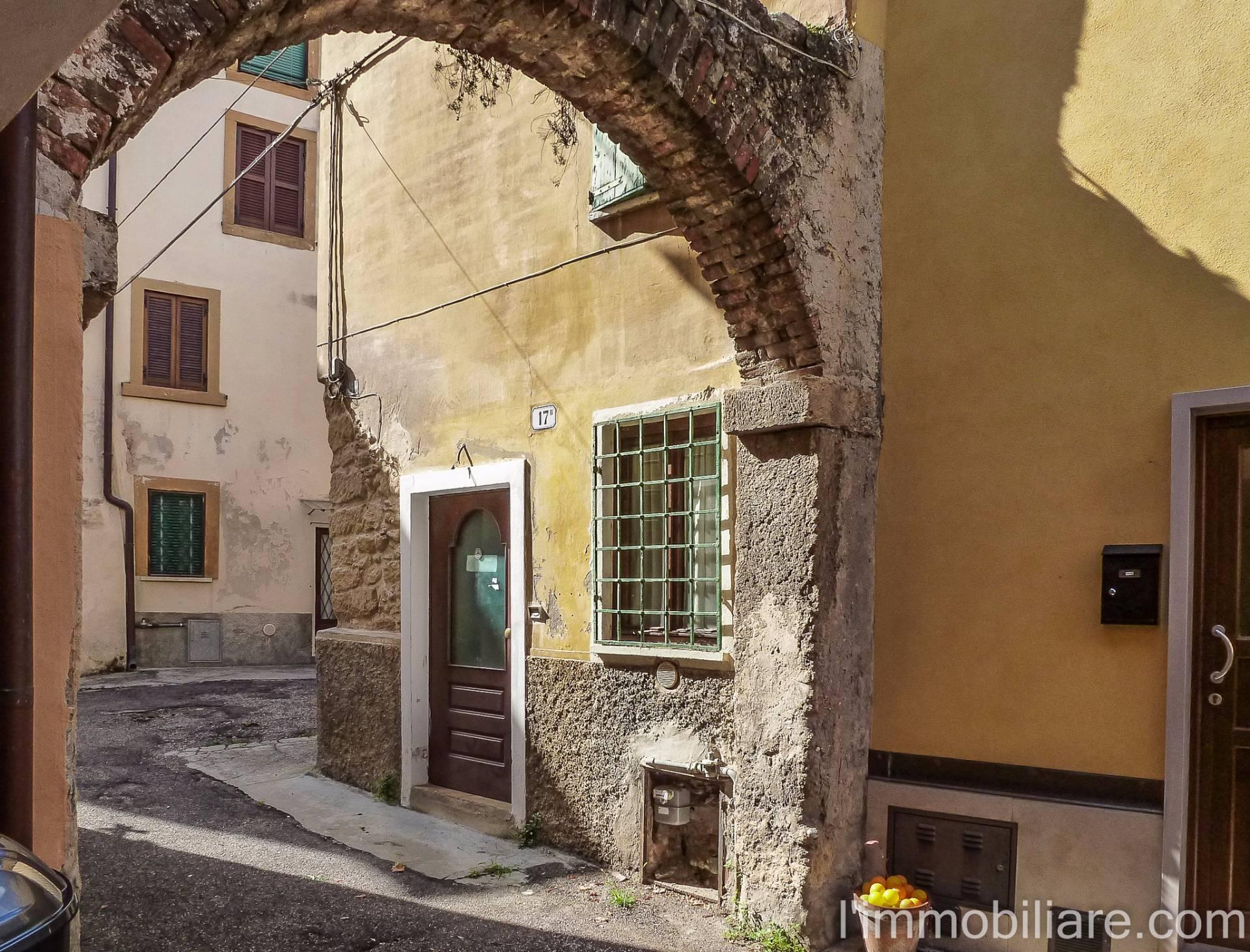 Rustico / Casale in vendita a Verona, 3 locali, zona Zona: 5 . Quinzano - Pindemonte - Ponte Crencano - Valdonega - Avesa , prezzo € 90.000 | Cambio Casa.it