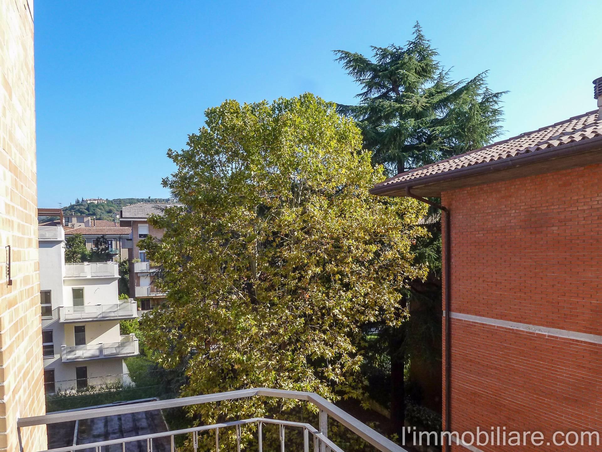 Appartamento in affitto a Verona, 5 locali, zona Zona: 5 . Quinzano - Pindemonte - Ponte Crencano - Valdonega - Avesa , prezzo € 550 | Cambio Casa.it