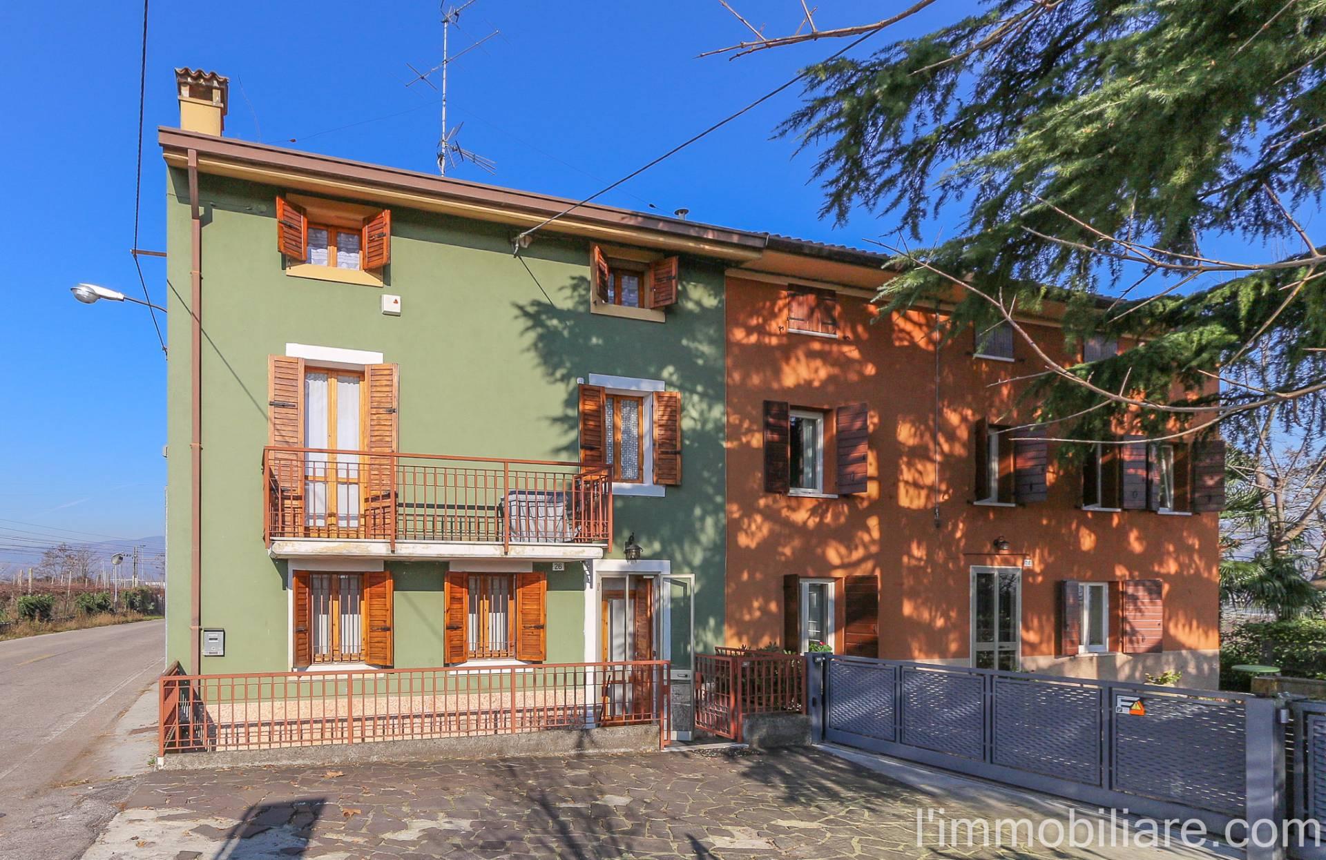Casa indipendente in vendita a verona via giacomo barucchi for Comprare garage indipendente
