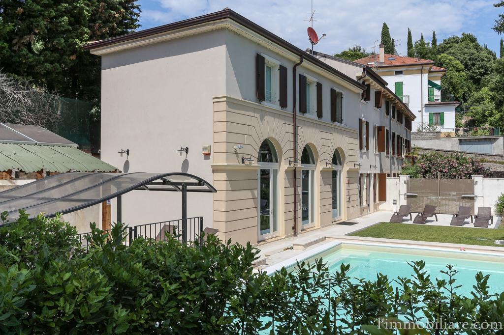 Villa in vendita a Verona, 7 locali, zona Zona: 5 . Quinzano - Pindemonte - Ponte Crencano - Valdonega - Avesa , prezzo € 1.490.000 | CambioCasa.it