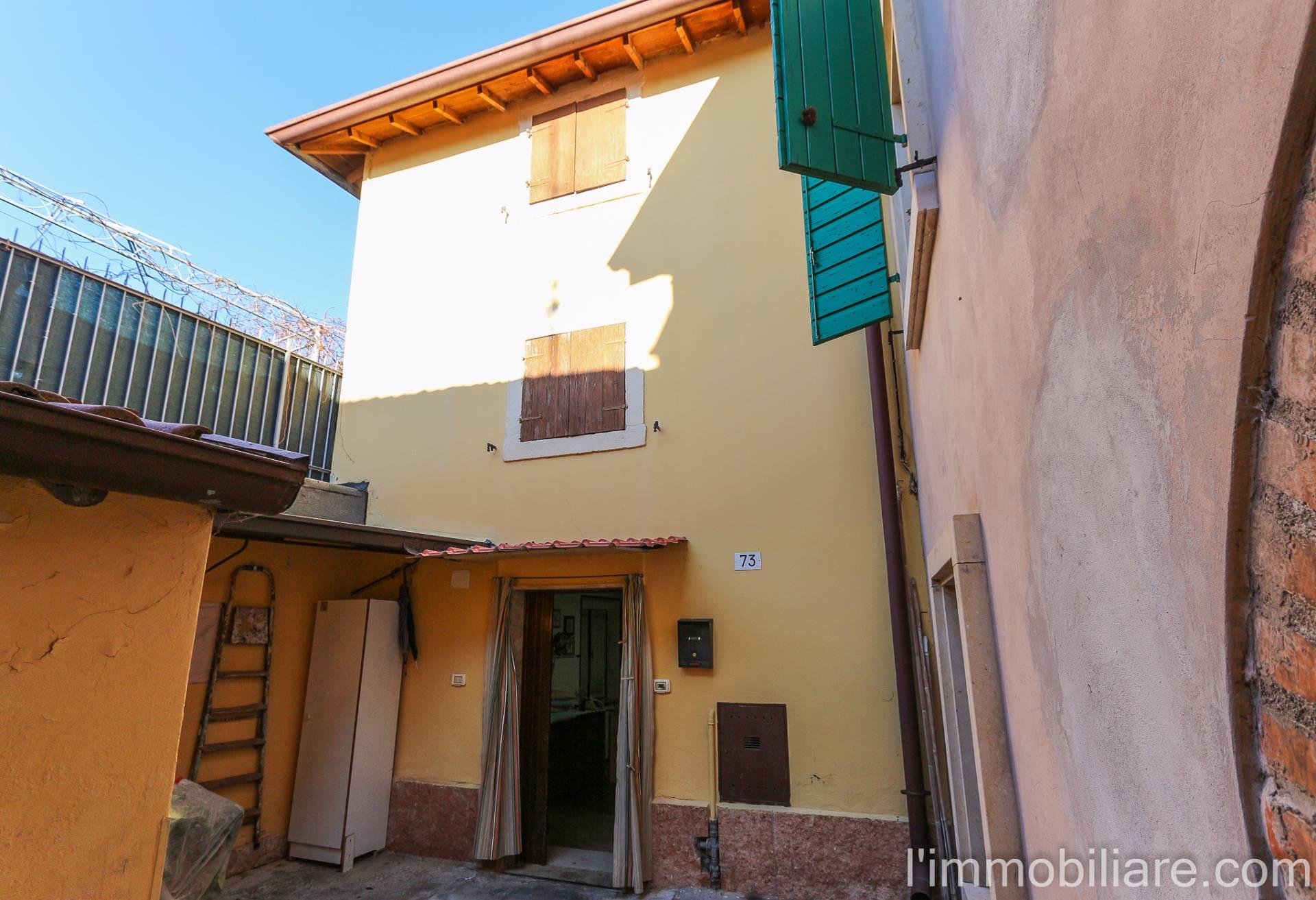 Soluzione Indipendente in vendita a Verona, 6 locali, zona Zona: 5 . Quinzano - Pindemonte - Ponte Crencano - Valdonega - Avesa , prezzo € 120.000 | Cambio Casa.it