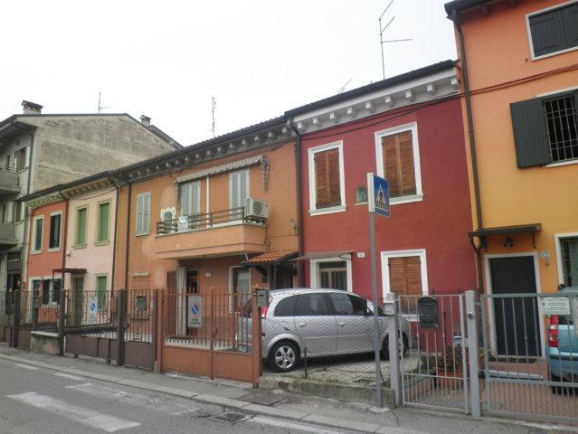 Soluzione Indipendente in vendita a Verona, 8 locali, zona Località: SanMassimo, prezzo € 280.000 | Cambio Casa.it