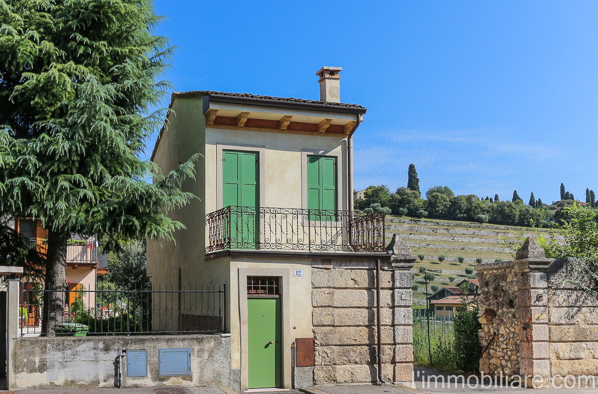 Rustico in Affitto a Verona Semicentro Nord: 3 locali, 65 mq