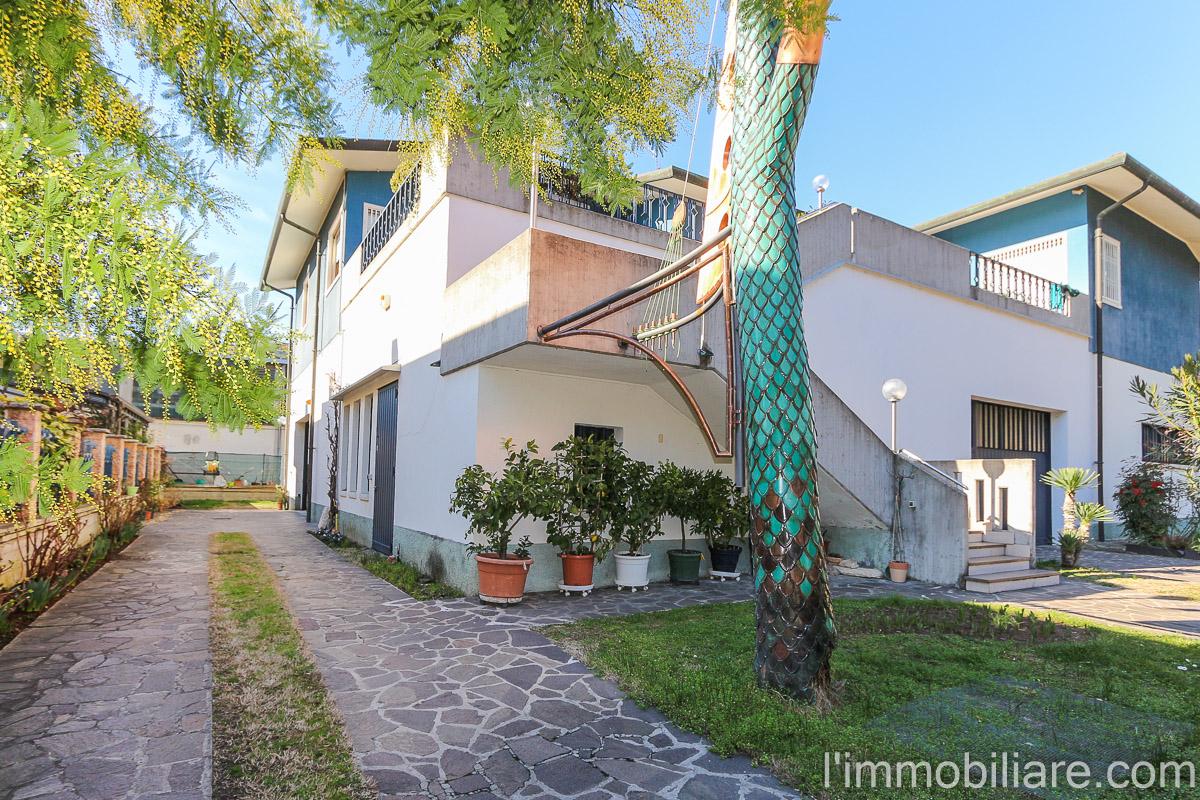 Casa indipendente in Vendita a Verona Periferia Nord: 5 locali, 180 mq