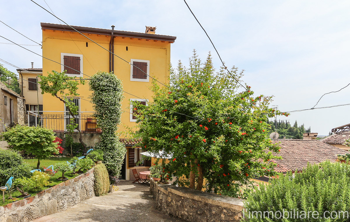 Casa indipendente in Vendita a Verona Periferia Nord: 5 locali, 160 mq