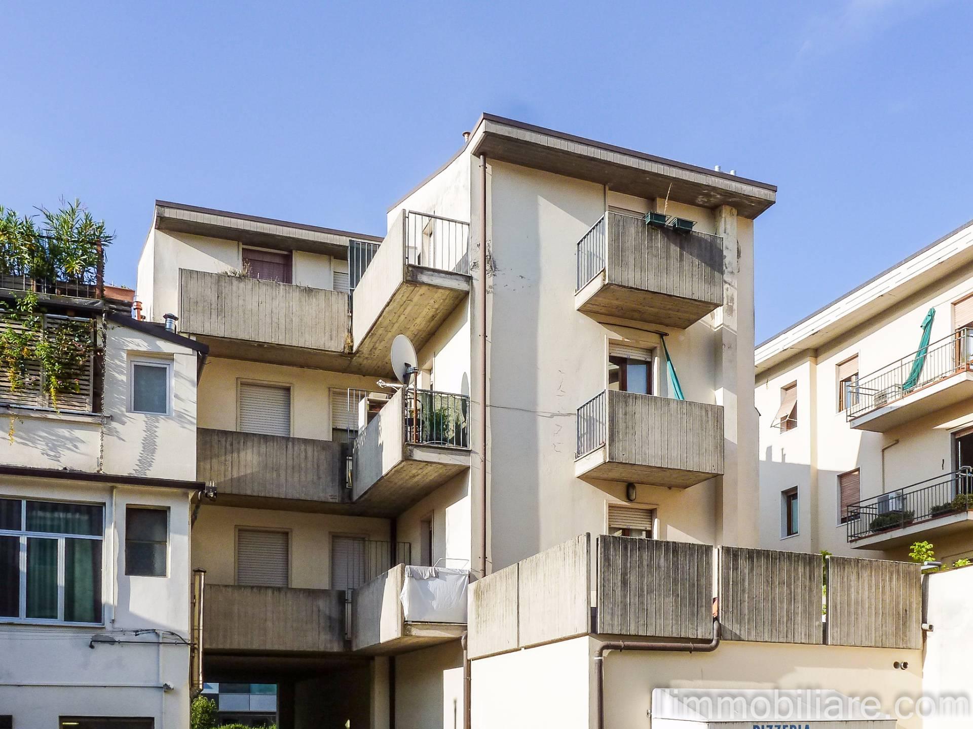 Appartamento in affitto a Verona, 1 locali, zona Zona: 5 . Quinzano - Pindemonte - Ponte Crencano - Valdonega - Avesa , prezzo € 370 | CambioCasa.it