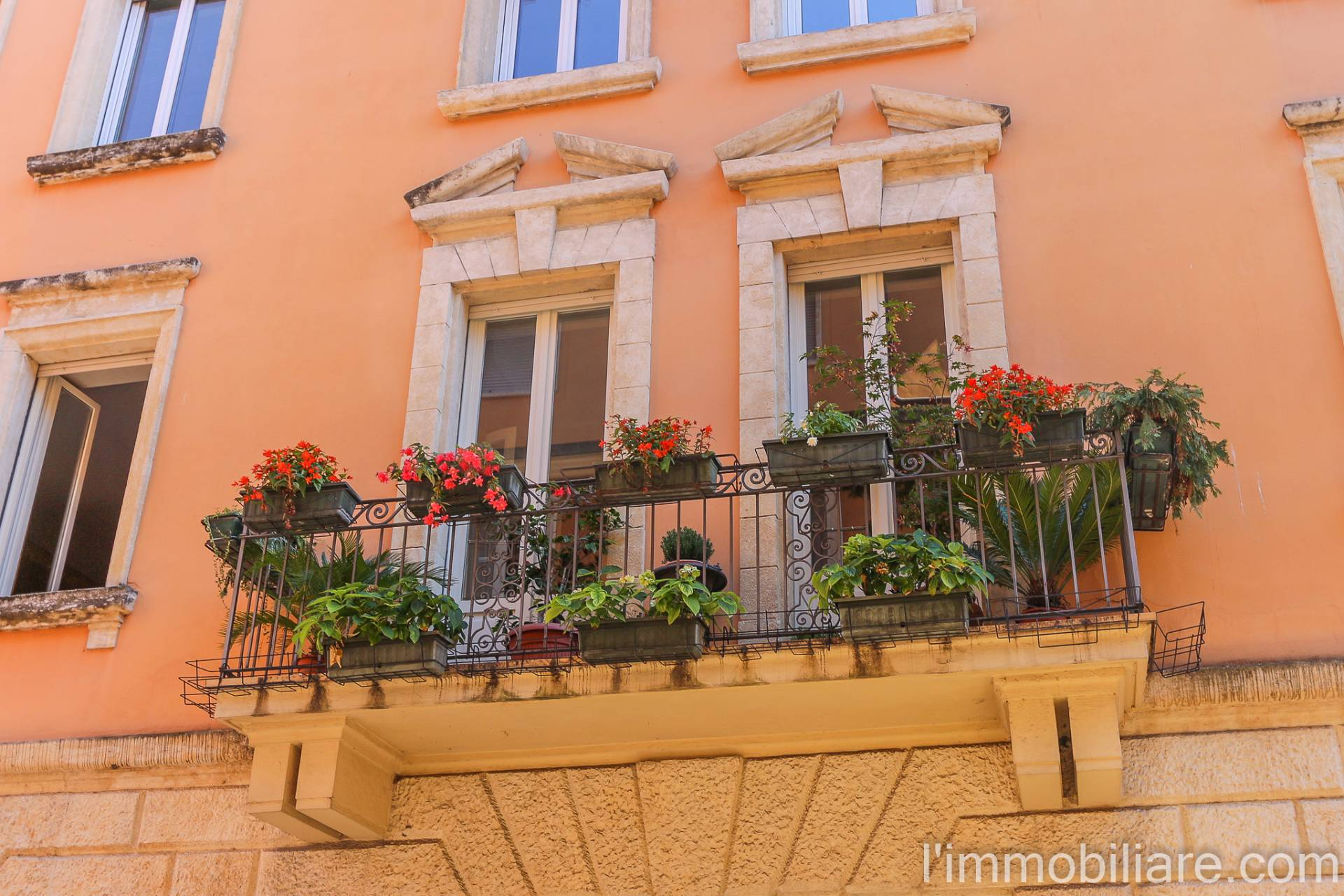 Appartamento in vendita a Verona, 7 locali, zona Località: Centrostorico, prezzo € 935.000 | CambioCasa.it