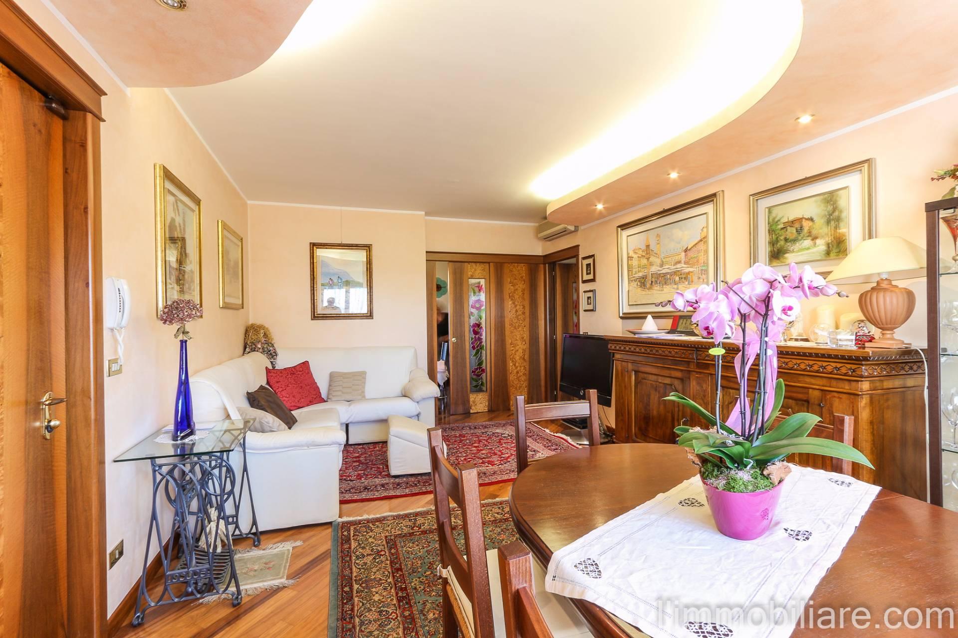 Appartamento in vendita a Verona, 5 locali, zona Località: PonteCrencano, prezzo € 260.000 | CambioCasa.it
