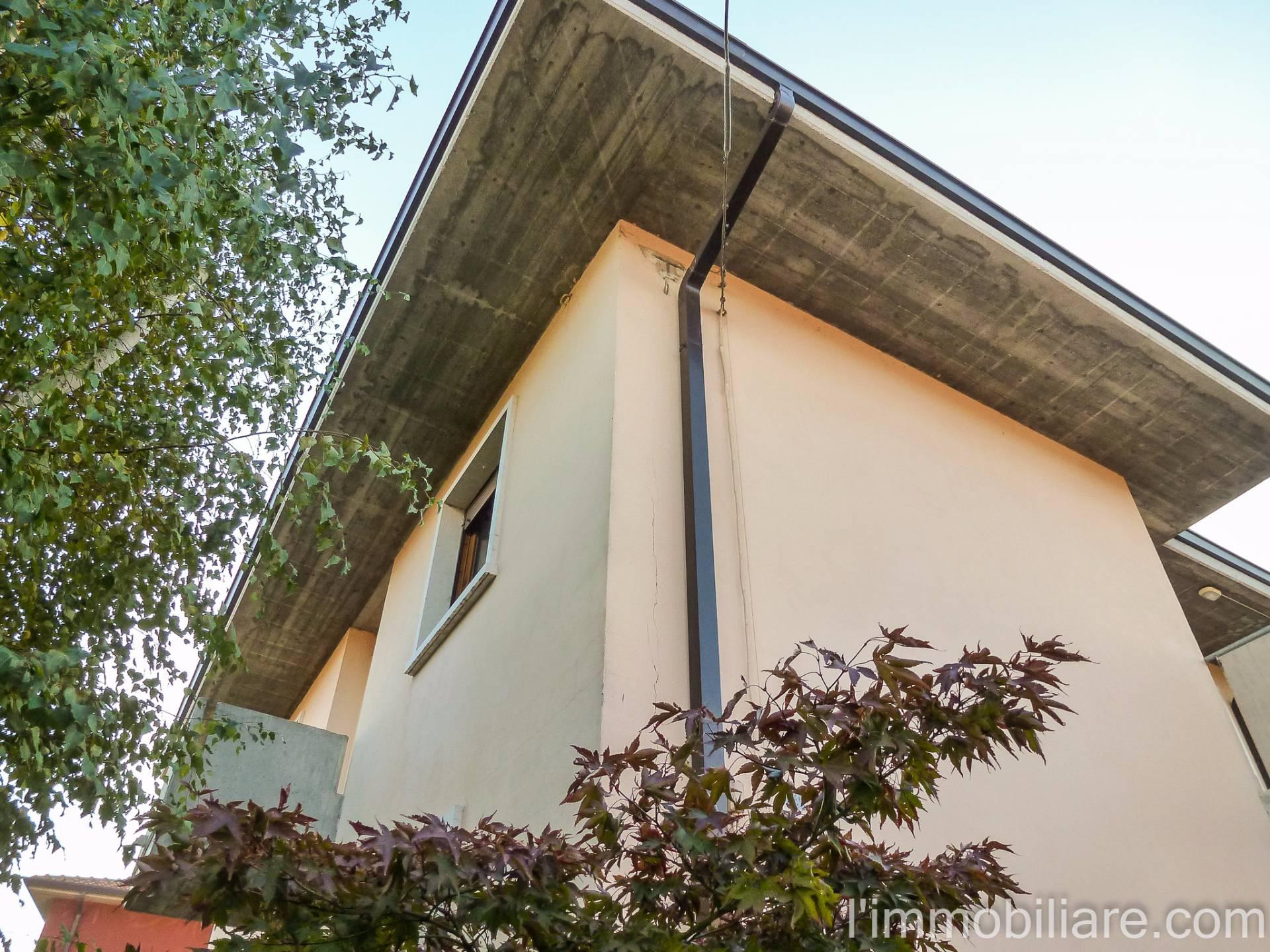 Appartamento in affitto a Verona, 5 locali, zona Zona: 4 . Saval - Borgo Milano - Chievo, prezzo € 650 | CambioCasa.it