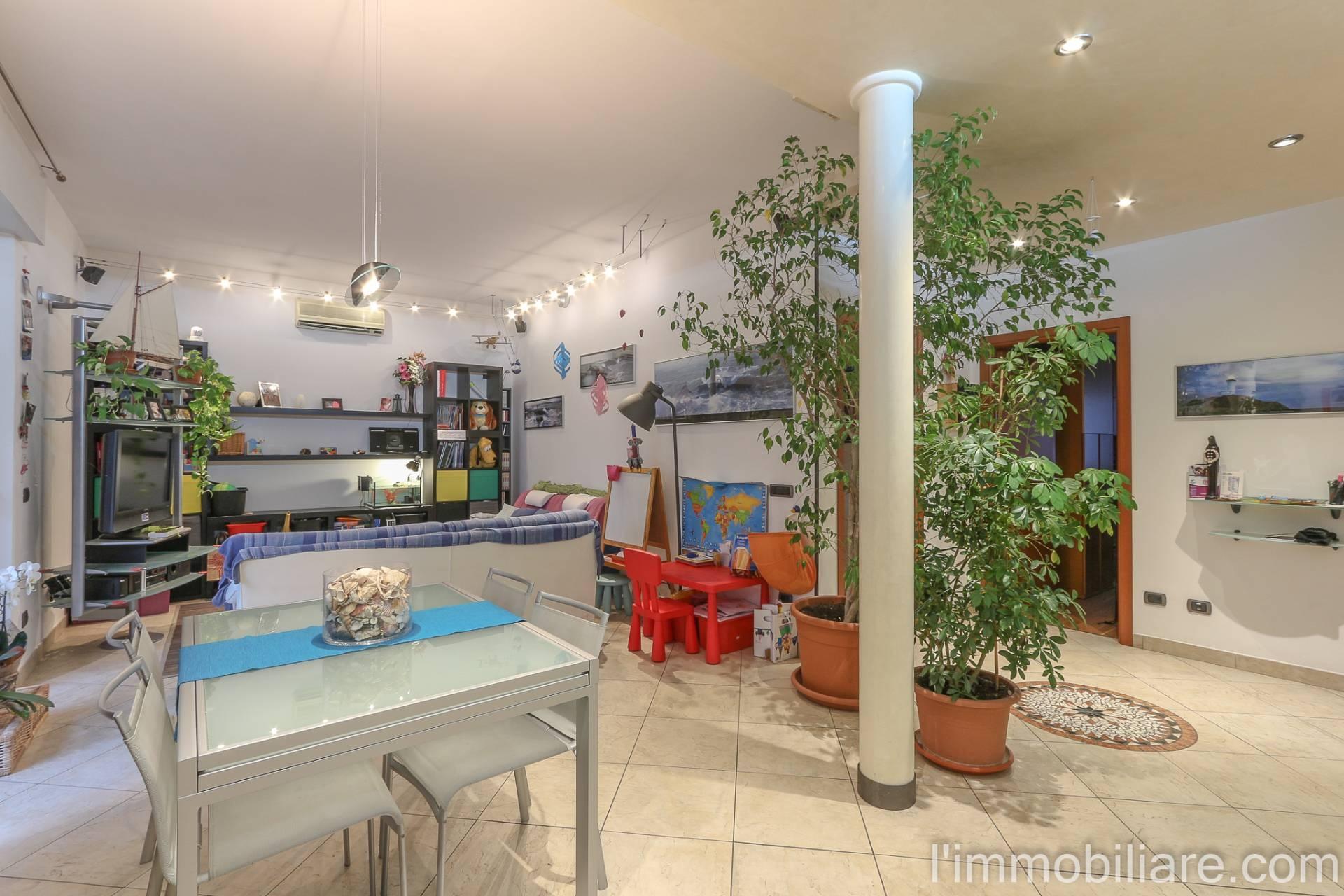 Appartamento in Vendita a Verona Semicentro Nord:  5 locali, 125 mq  - Foto 1