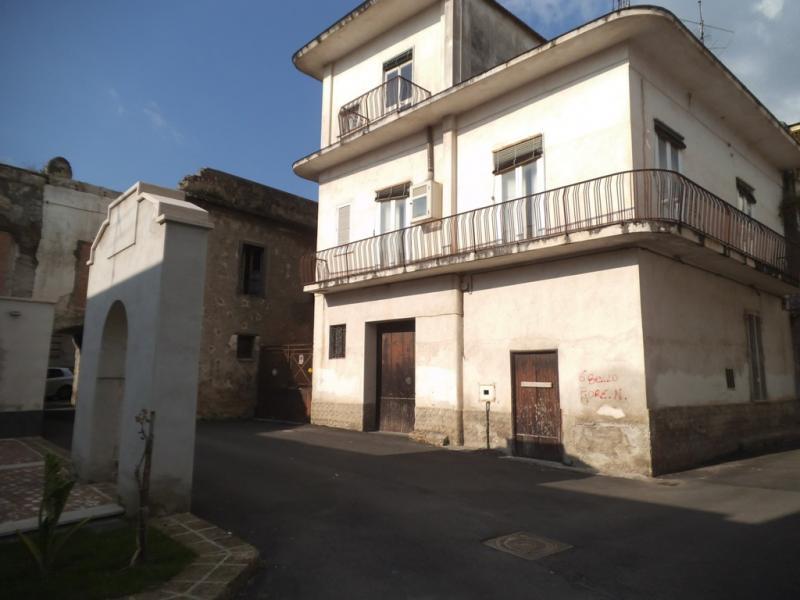 Soluzione Indipendente in vendita a Avella, 6 locali, prezzo € 145.000 | Cambio Casa.it