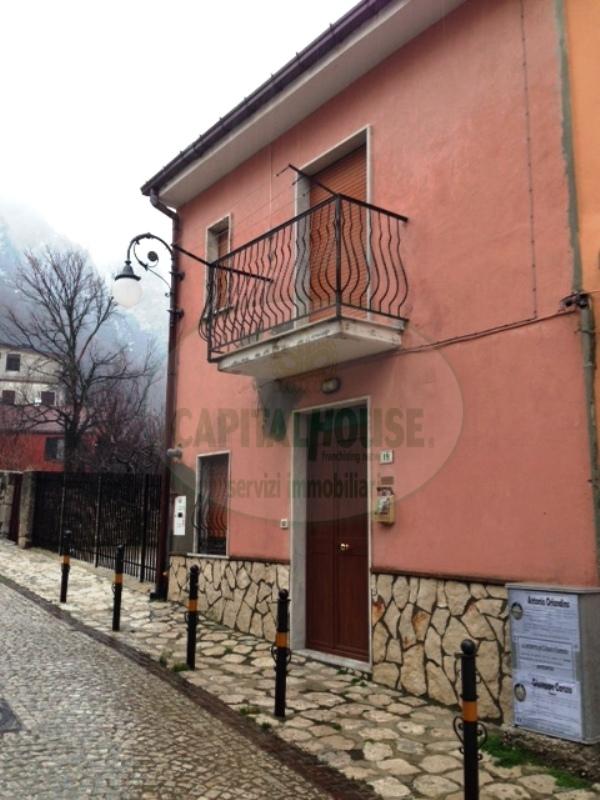 Bilocale Summonte Via Borgonuovo 9