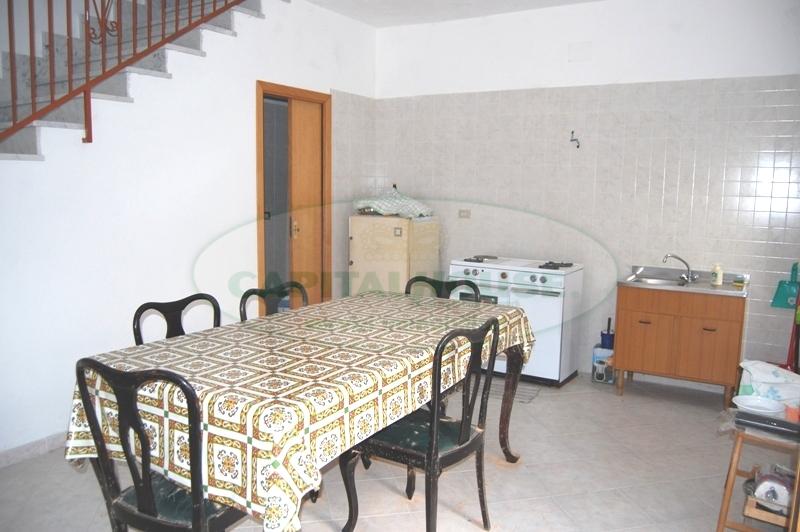 Soluzione Indipendente in vendita a Monteforte Irpino, 3 locali, zona Località: Centro, prezzo € 55.000 | Cambio Casa.it